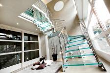 Стеклянные лестницы (триплекс, каленое стекло)