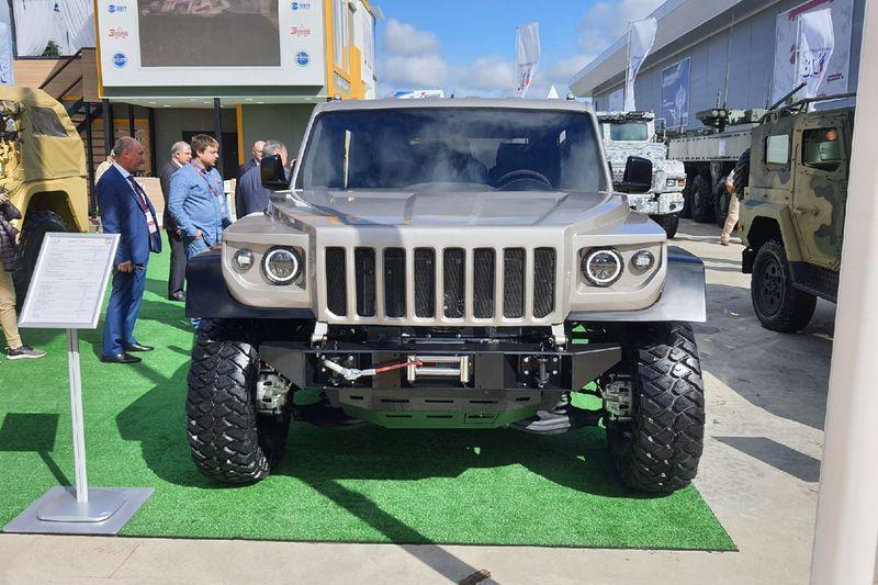 Военно-промышленная компания, выпускающая «Тигры» и БТР, презентовала внедорожник, который заменит УАЗ