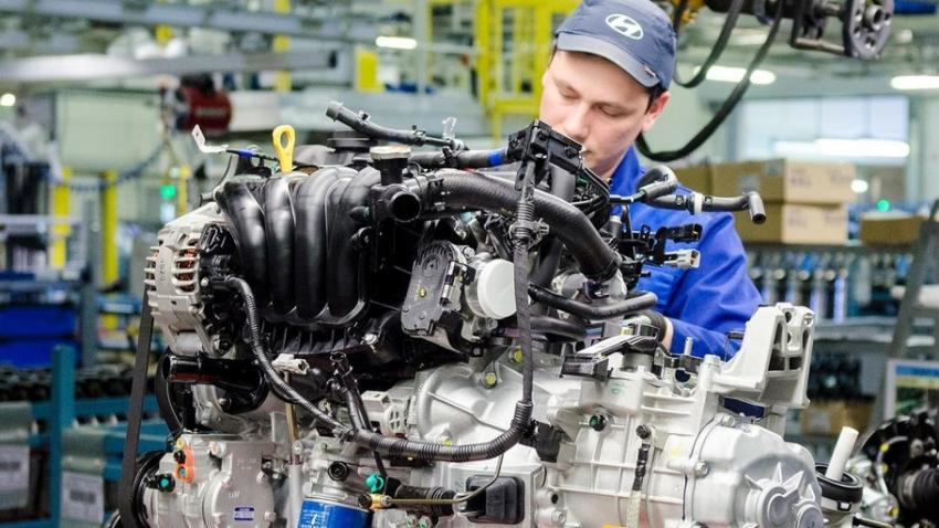 В Санкт-Петербурге приступили к строительству завода по выпуску автомобильных двигателей.