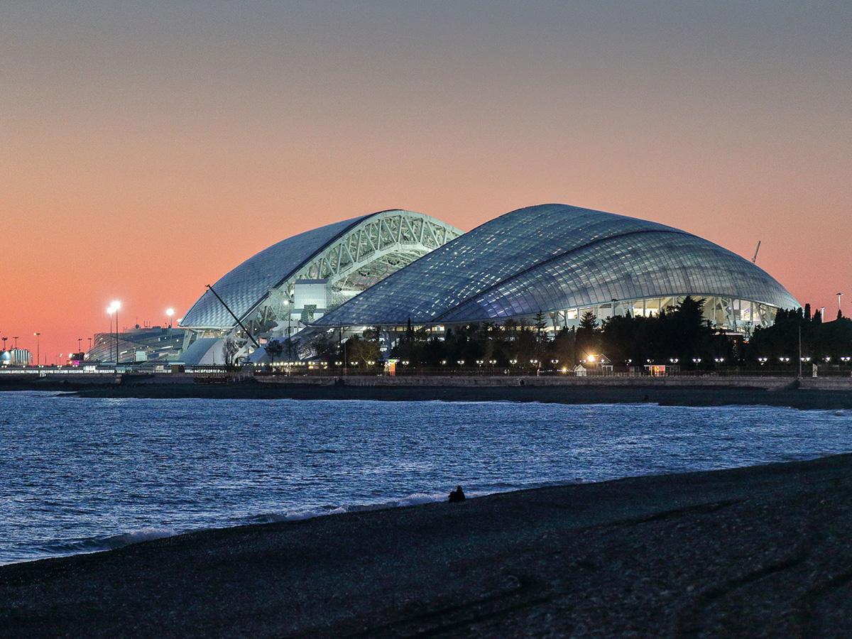 Российское предприятие производит мечту хозяек — самоочищающиеся и энергосберегающие стекла