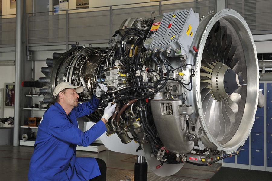 Самолеты будут работать на водородном топливе: Ростех занялся разработкой новых авиадвигателей